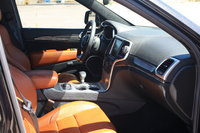 Picture of 2014 Jeep Grand Cherokee SRT8, interior