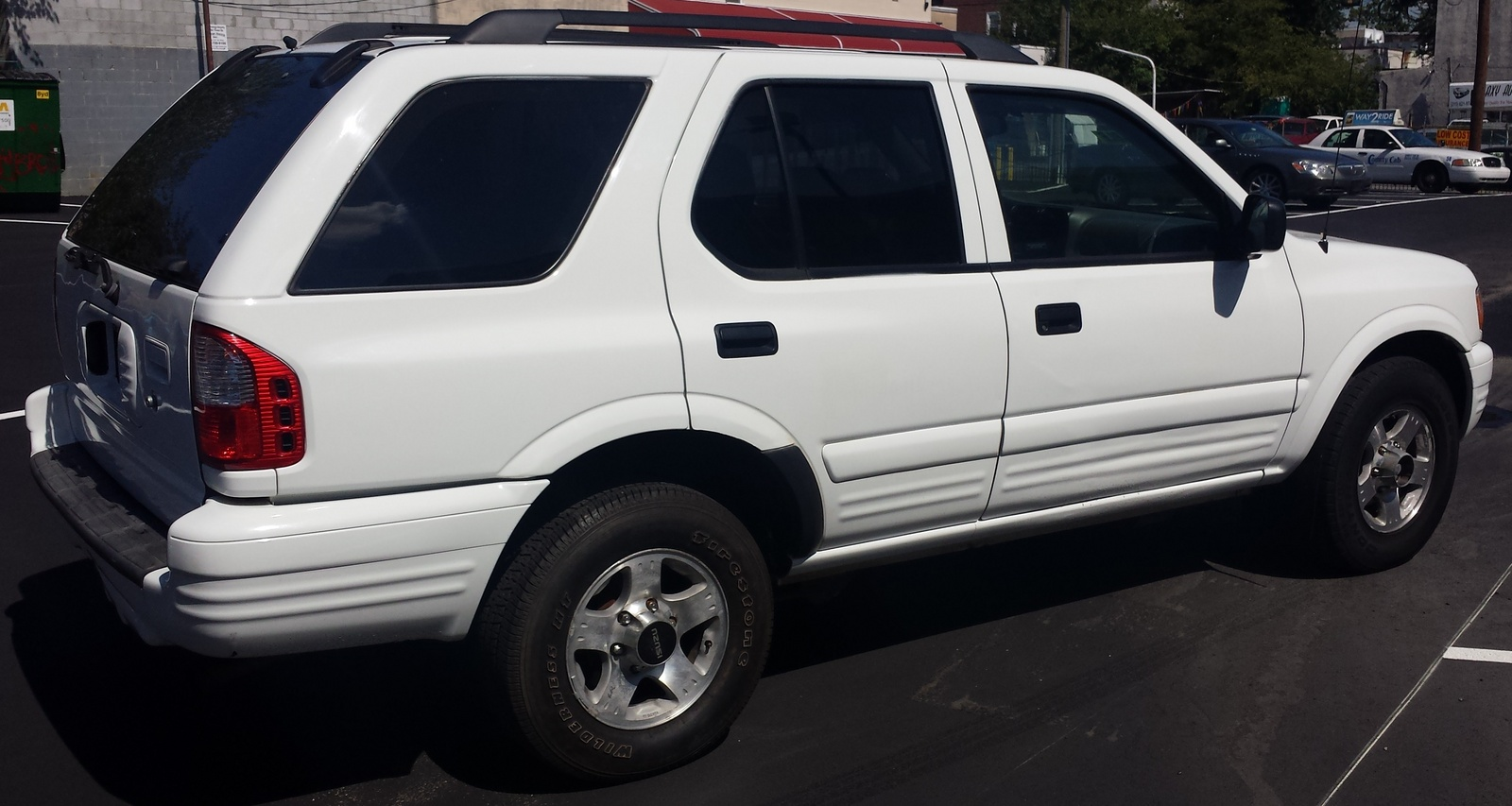 Picture of 2000 Isuzu Rodeo S