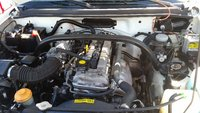 Picture of 2000 Chevrolet Tracker Base 4WD, engine