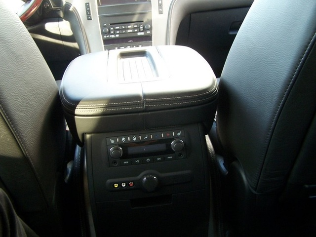 Picture of 2013 Cadillac Escalade Hybrid Platinum 4WD, interior, gallery_worthy