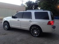 Picture of 2012 Lincoln Navigator Base, exterior