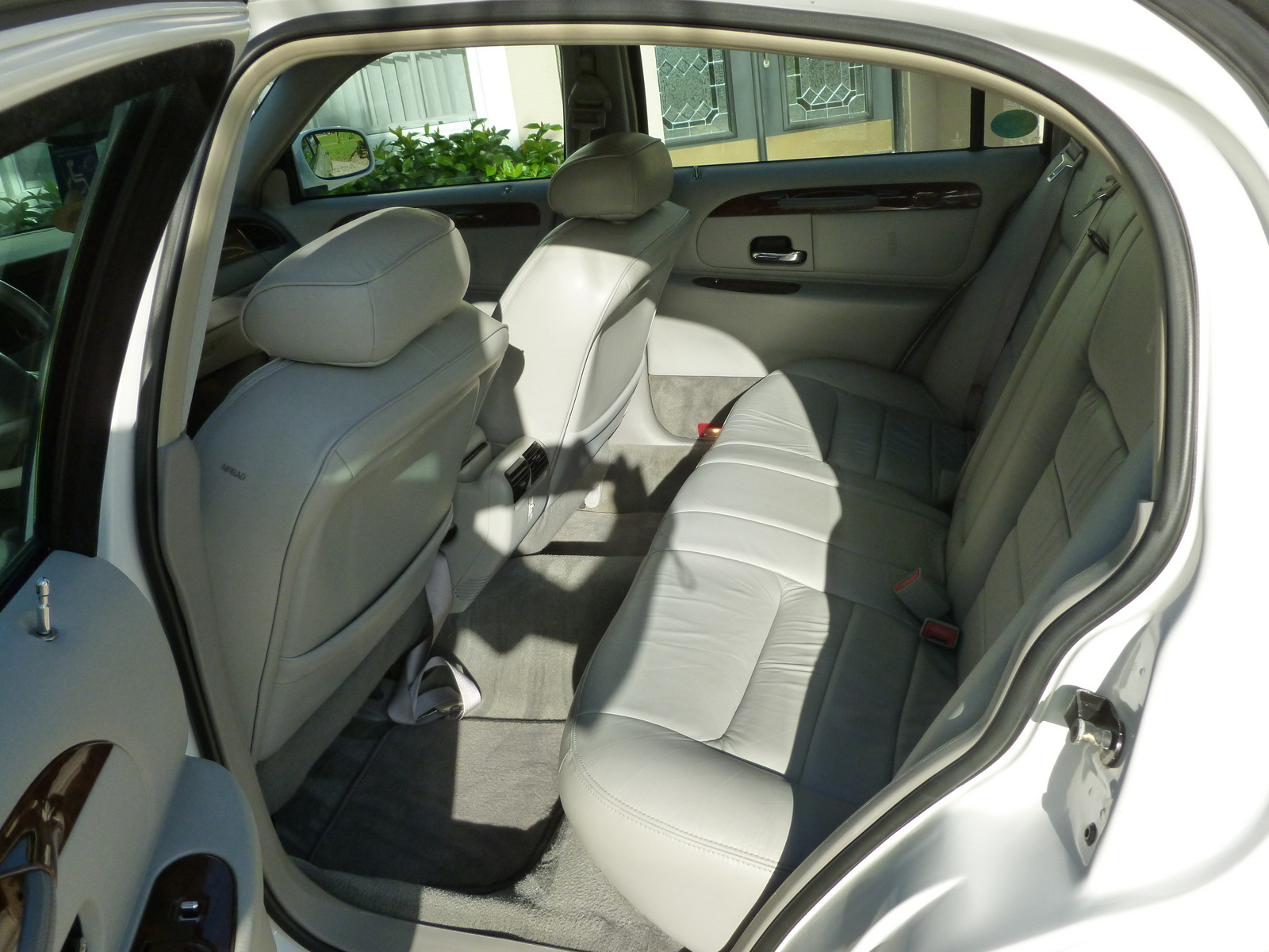 2001 lincoln town car interior pictures cargurus. Black Bedroom Furniture Sets. Home Design Ideas
