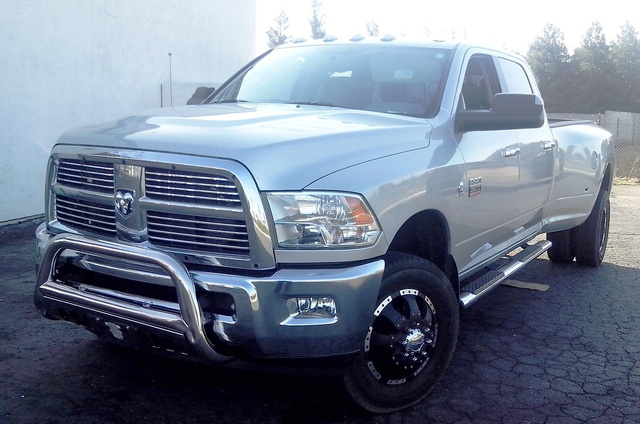 Picture of 2011 Ram 3500 Ram Chassis SLT Crew Cab 172.4 in. 4WD DRW