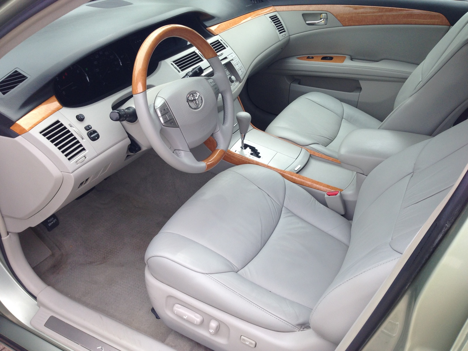 picture of 2005 toyota avalon xls interior. Black Bedroom Furniture Sets. Home Design Ideas
