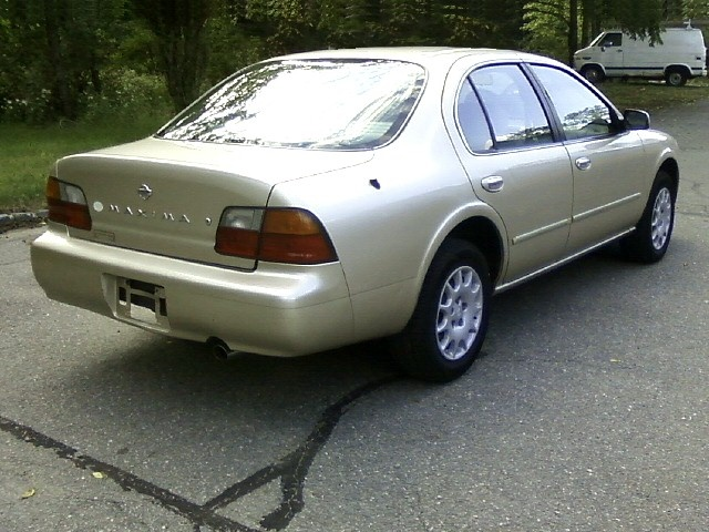 Picture of 1996 Nissan Maxima GLE, exterior