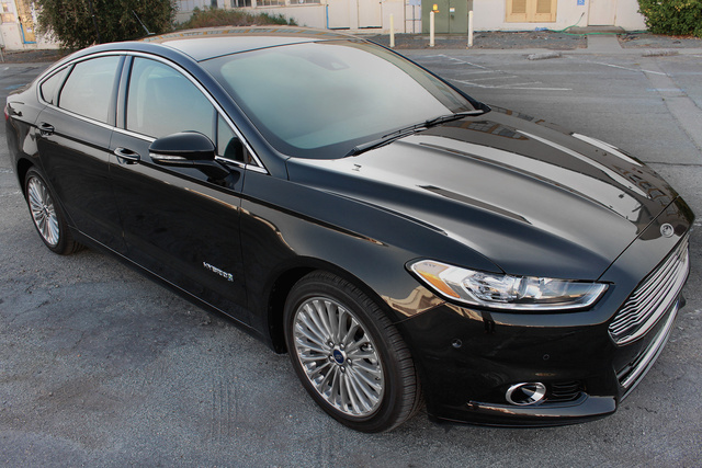 2014 Ford Fusion, Front-quarter view, exterior