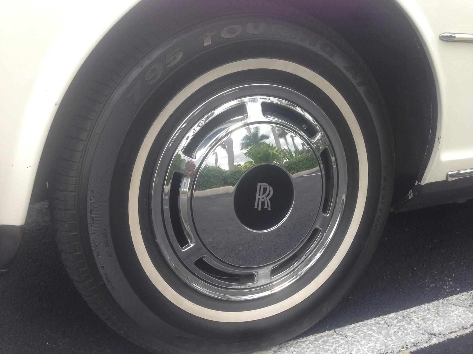 Picture of 1988 Rolls-Royce Silver Spur Sedan