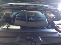 Picture of 2004 Toyota 4Runner SR5 4WD, engine