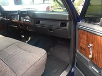 Picture of 1984 Ford F-150 XLT Standard Cab 4WD SB, interior, gallery_worthy