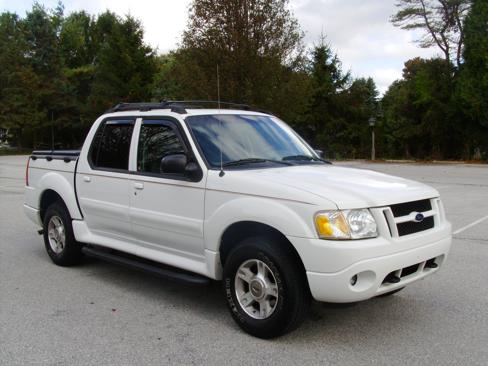 2004 Ford Explorer Sport Trac - Overview