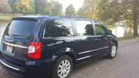 Picture of 2012 Chrysler Town & Country Touring FWD, exterior, gallery_worthy