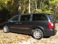 Picture of 2012 Chrysler Town & Country Touring-L FWD, exterior, gallery_worthy