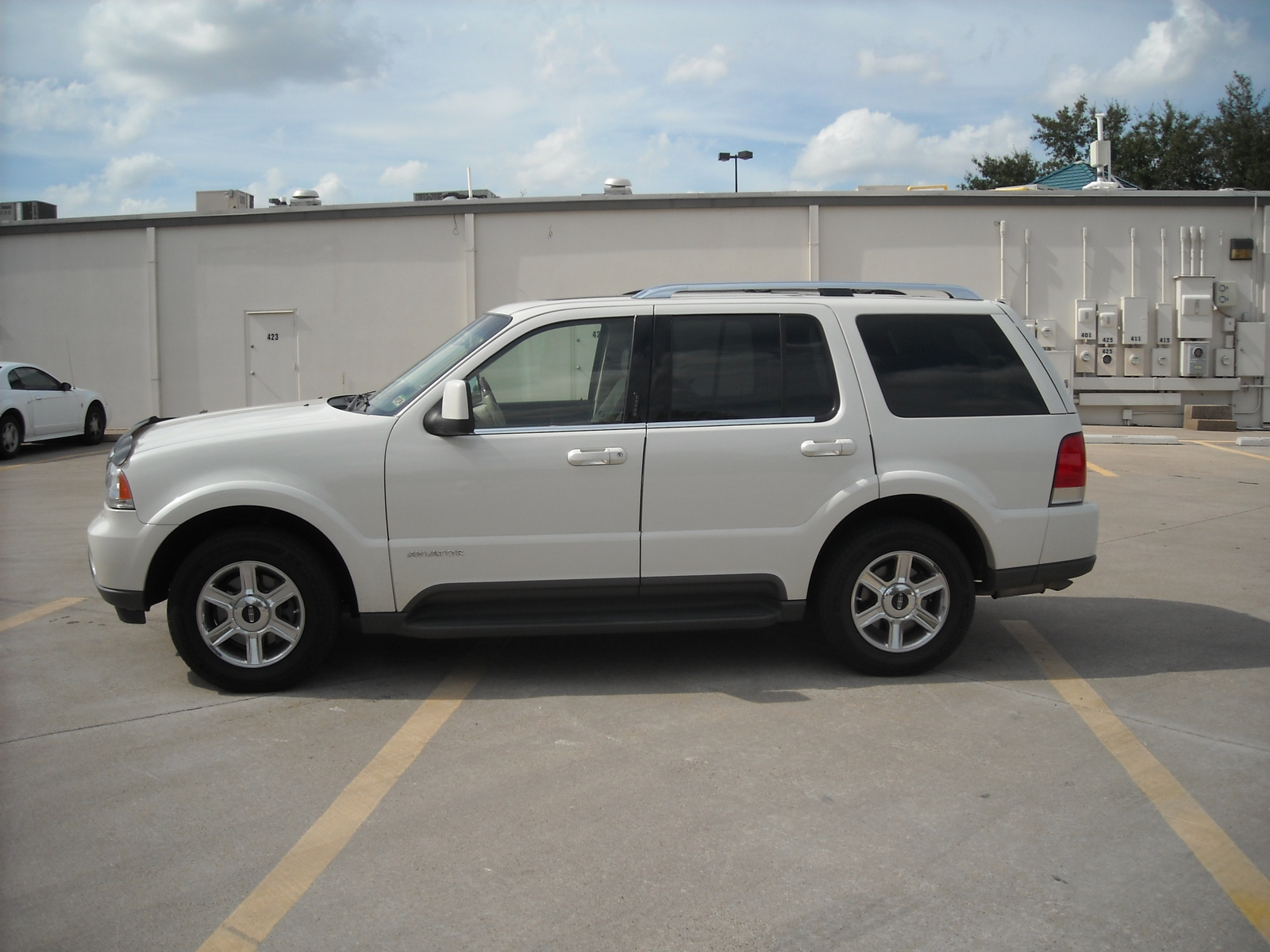 Picture of 2003 Lincoln Aviator 4 Dr STD SUV