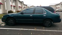 Picture of 1995 Nissan Altima GXE