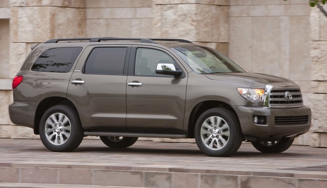 2015 Toyota Sequoia, Front-quarter view, exterior, manufacturer, gallery_worthy