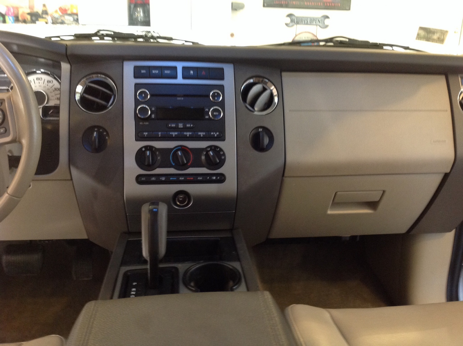 Picture Of 2011 Ford Expedition Xlt Interior