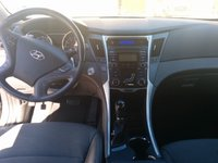 Picture of 2012 Hyundai Sonata SE, interior