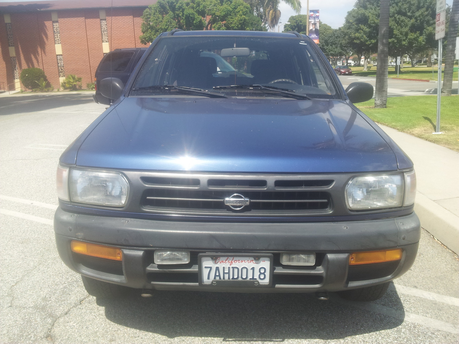 Picture of 1996 Nissan Pathfinder 4 Dr XE 4WD SUV