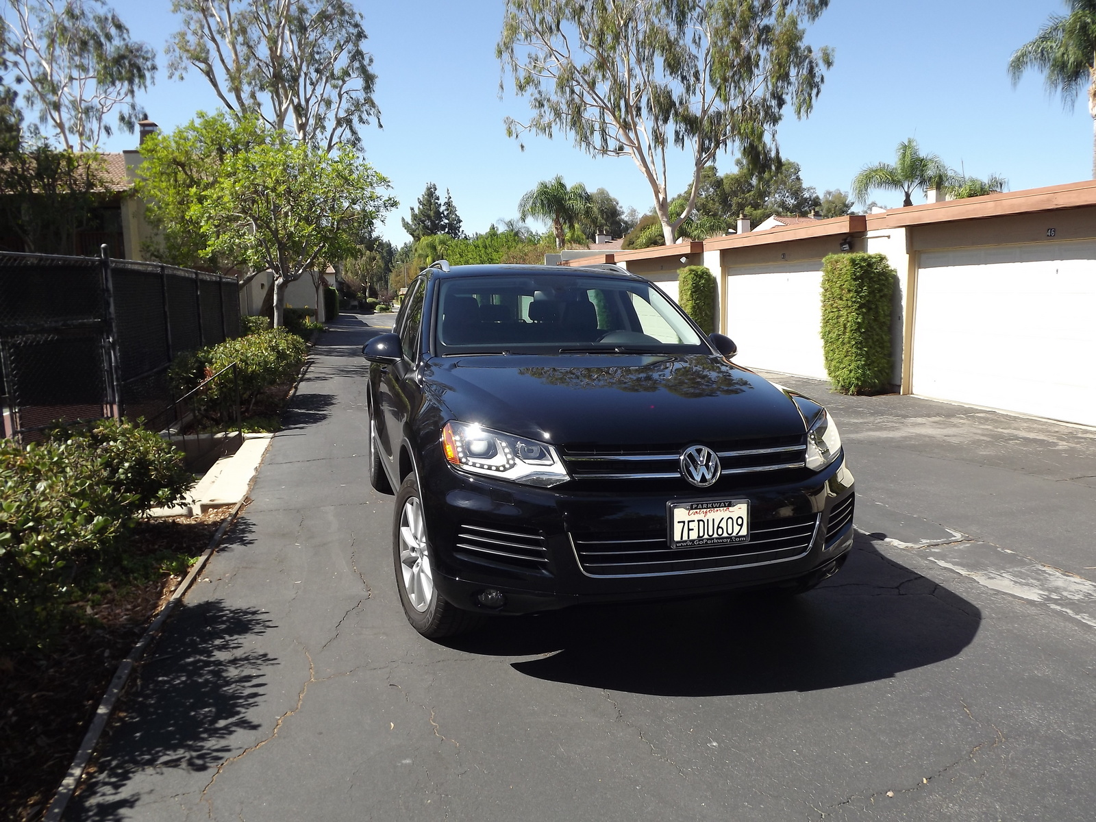 Picture of 2014 Volkswagen Touareg VR6 Sport