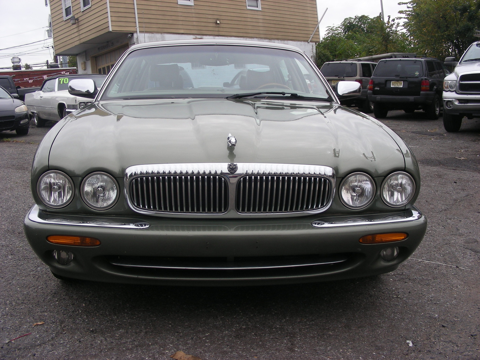 Picture of 1999 Jaguar XJ-Series 4 Dr Vanden Plas