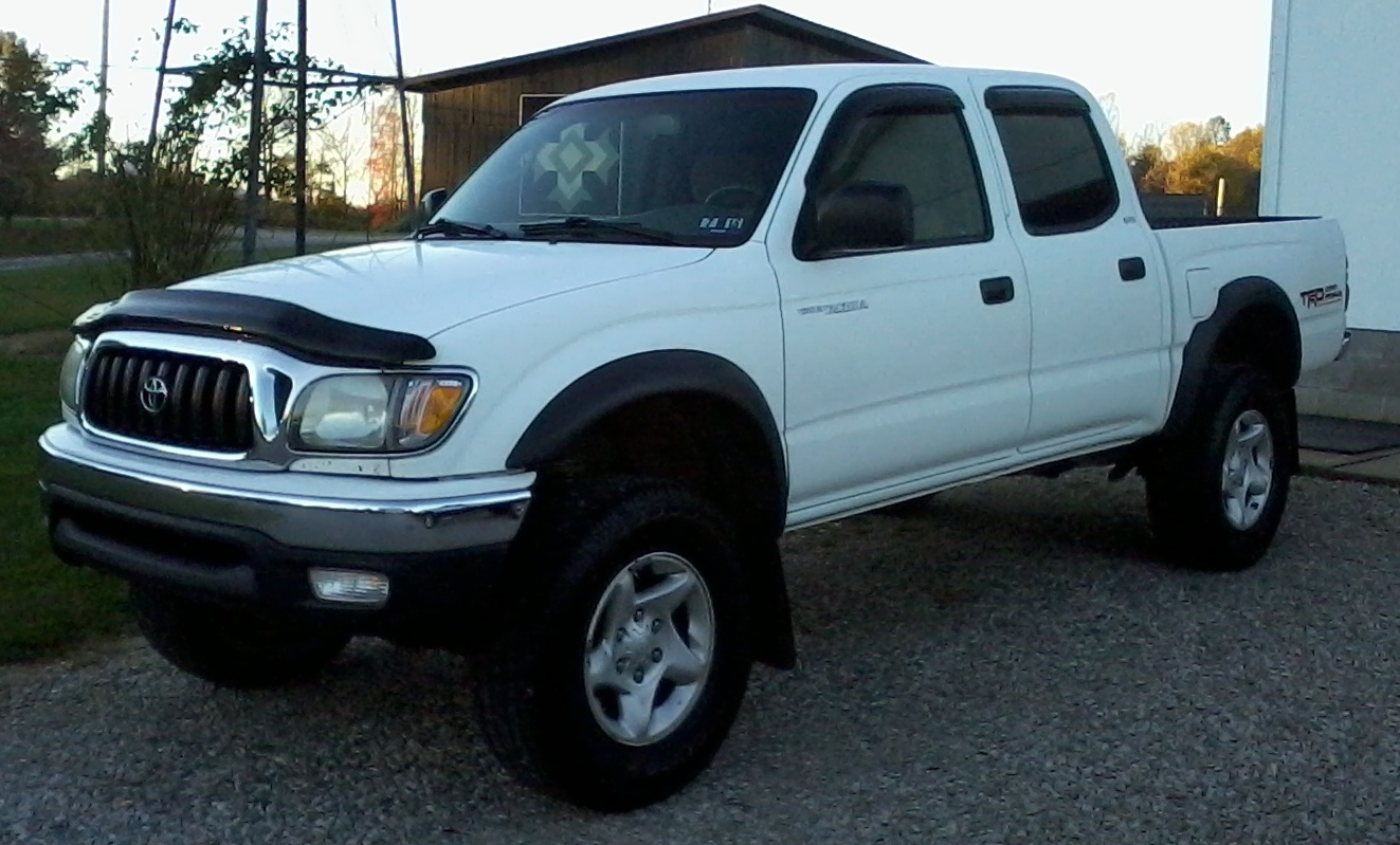 The Toyota Tacoma saw very few changes for 2004. The few new additions ...