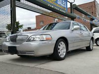 Picture of 2011 Lincoln Town Car Signature Limited, exterior