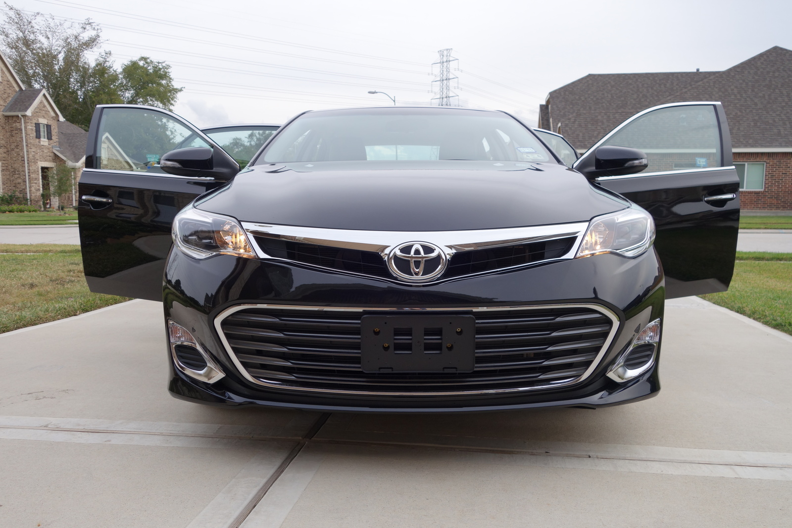Picture of 2014 Toyota Avalon XLE