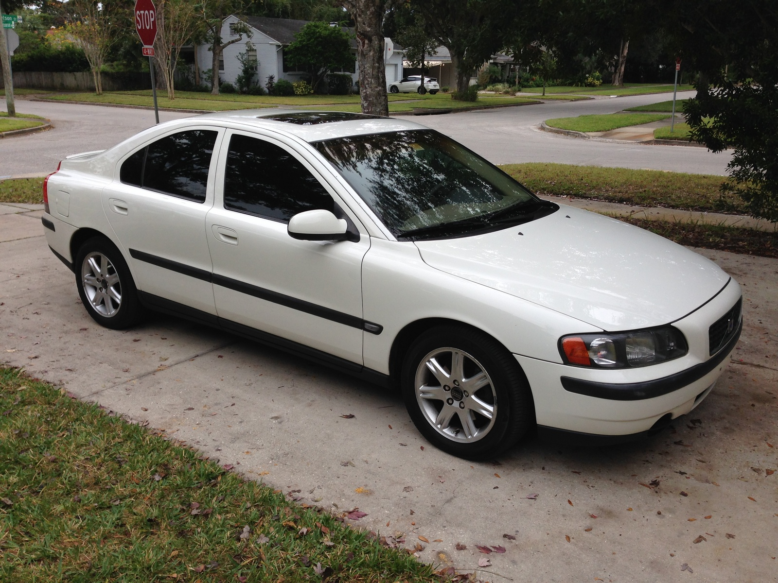 2002 Volvo S60 - Overview