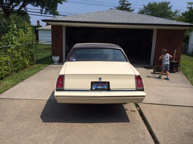 Picture of 1983 Chevrolet Monte Carlo