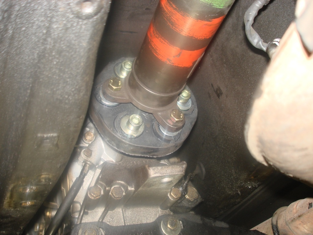 Mercedes Benz Slk Class Questions Hi I Just Bought A 2000 Slk230 Kompressor Fuse Diagram Flex Disk It Attaches To The End Of Drive Shaft Here Is Picture