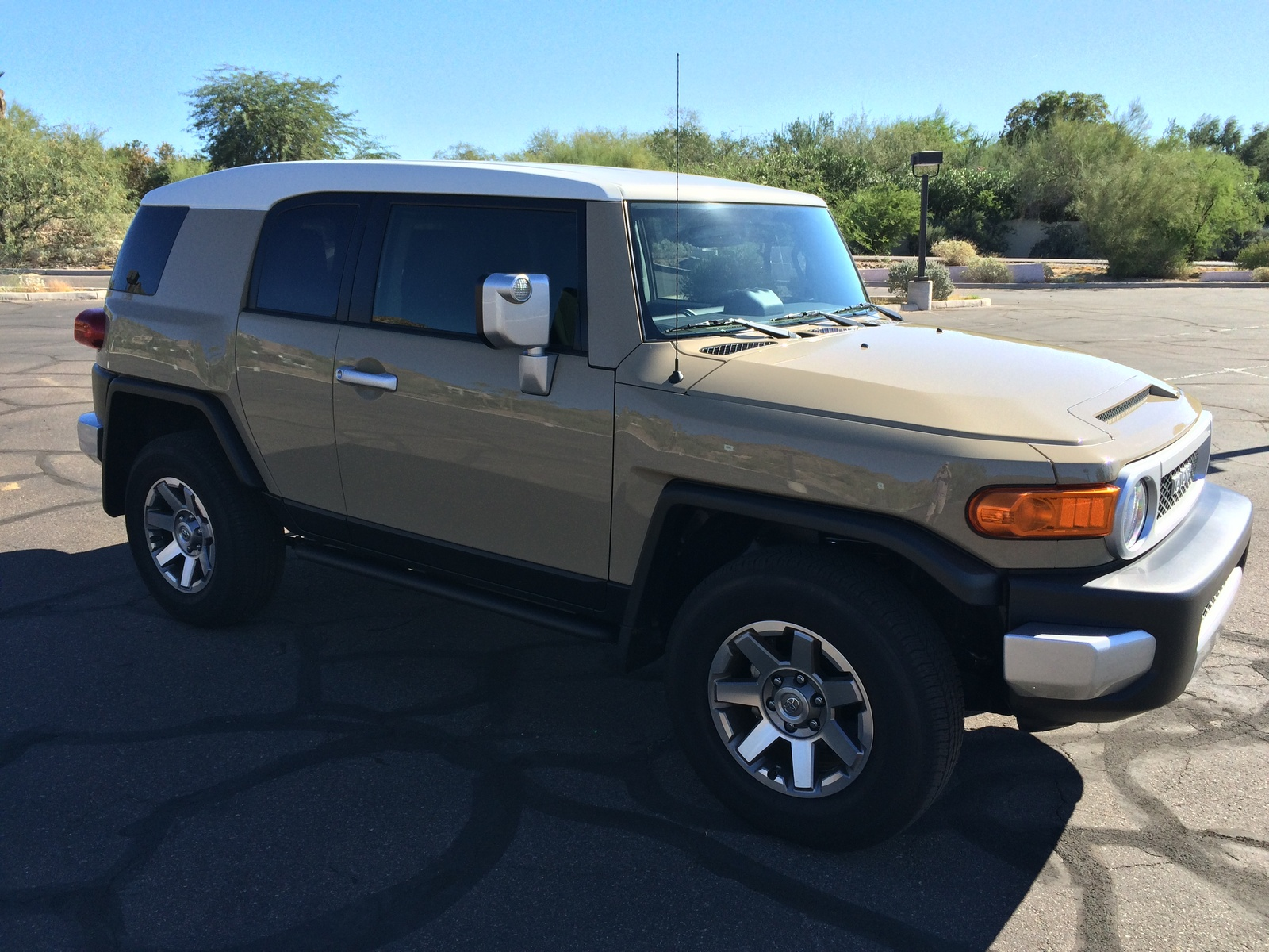 Picture of 2014 Toyota FJ Cruiser 4WD AT