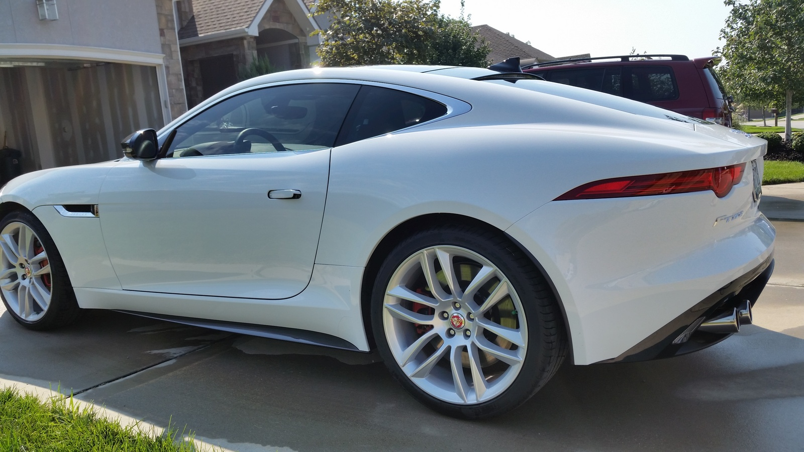 Picture of 2015 Jaguar F-Type R