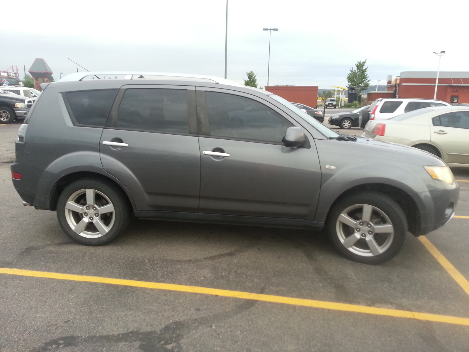 Picture of 2007 Mitsubishi Outlander LS AWD