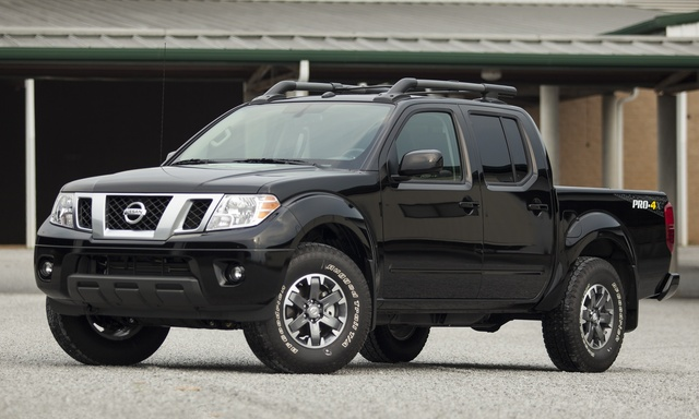 2015 Nissan Frontier, Front-quarter view, exterior, manufacturer, gallery_worthy