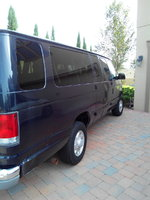 2000 Ford Econoline Wagon Overview