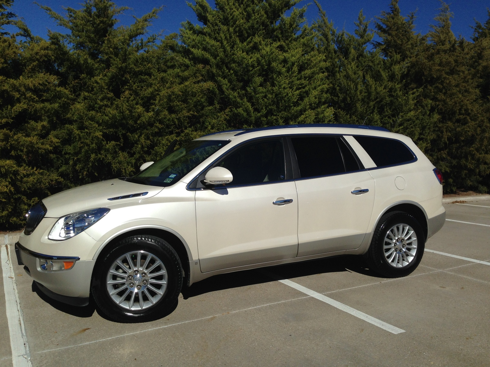 Picture Of 2010 Buick Enclave Cx Exterior