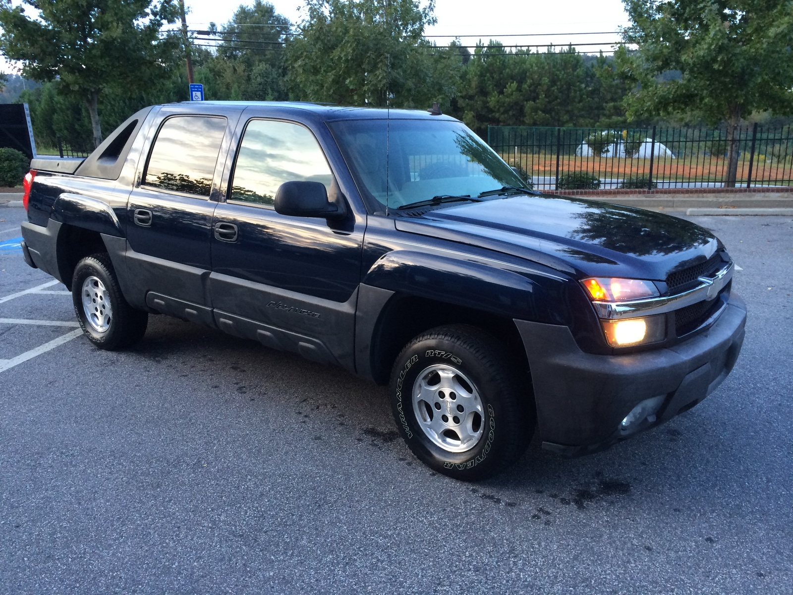 service manual 2006 chevrolet avalanche 2500 how to remove evaporator sierra cabin air. Black Bedroom Furniture Sets. Home Design Ideas