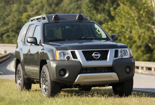 2015 Nissan Xterra, Front-quarter view, exterior, manufacturer