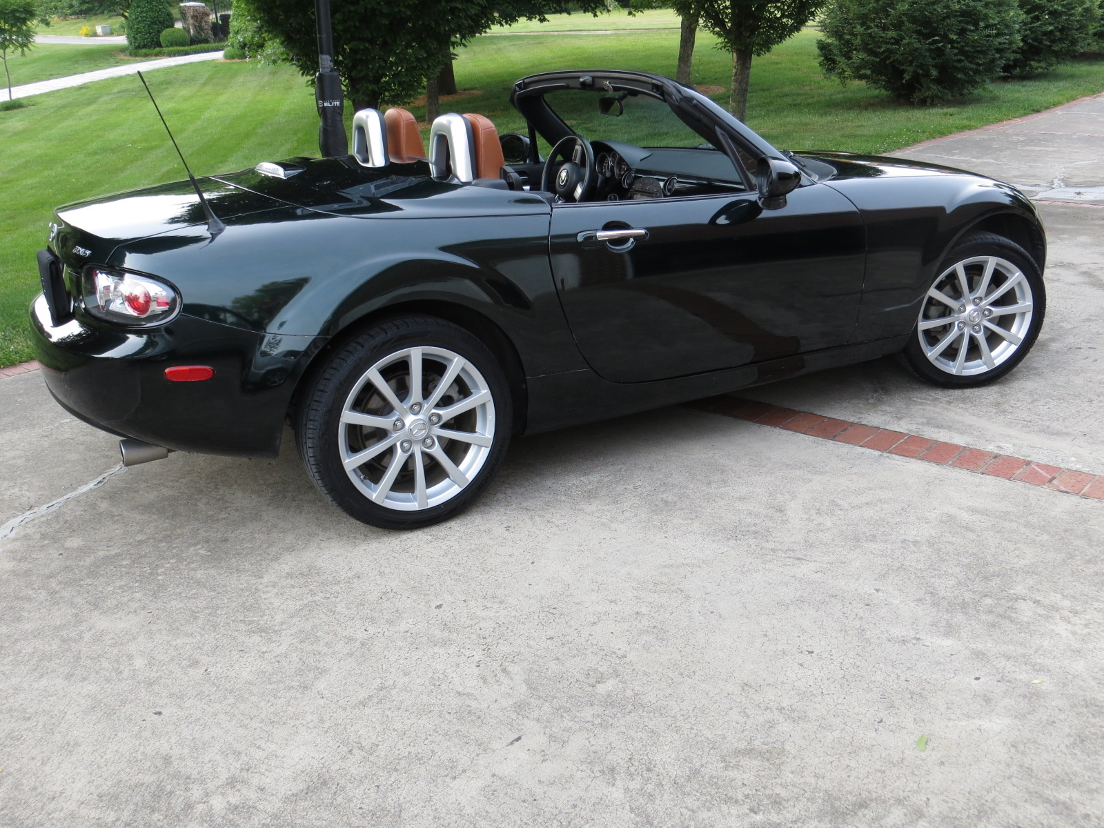 Mazda Mx Miata Grand Touring Hardtop Convertible Pic