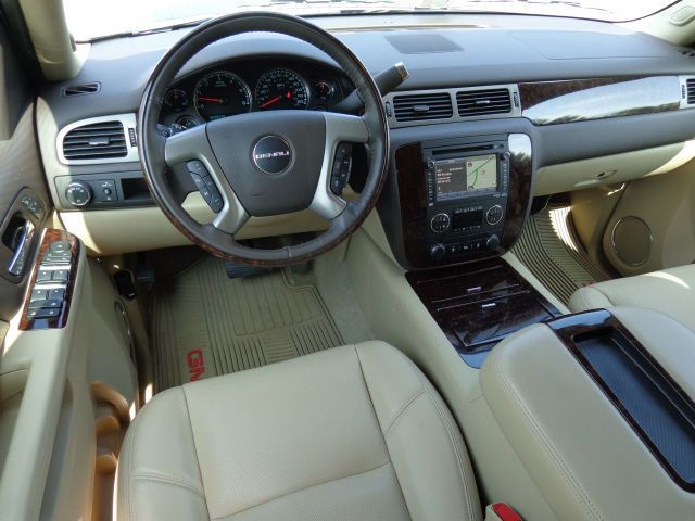 Picture of 2013 GMC Yukon Hybrid 4WD, interior, gallery_worthy
