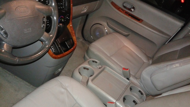 2005 kia sedona interior pictures cargurus. Black Bedroom Furniture Sets. Home Design Ideas