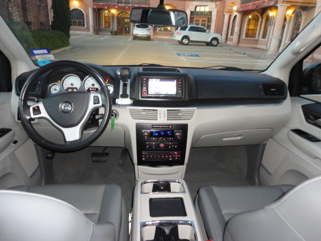 2009 Volkswagen Routan - Pictures - CarGurus