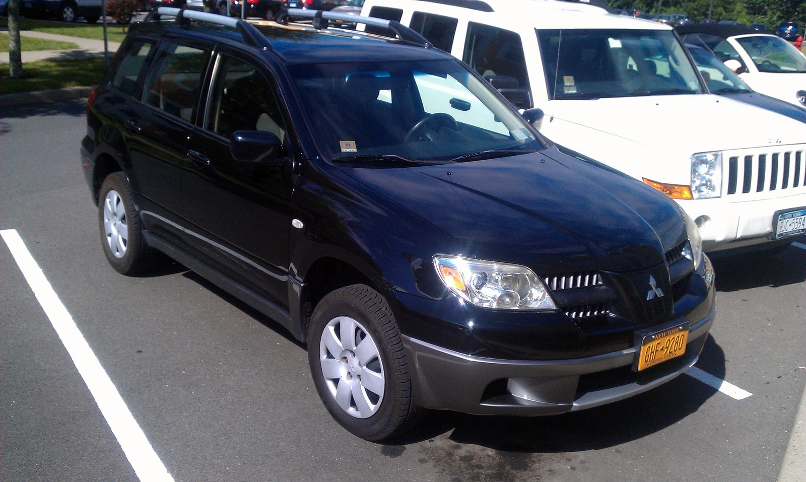 Picture of 2005 Mitsubishi Outlander LS AWD