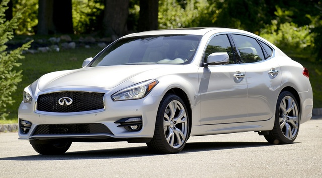 2015 INFINITI Q70, Front-quarter view, exterior, manufacturer, gallery_worthy