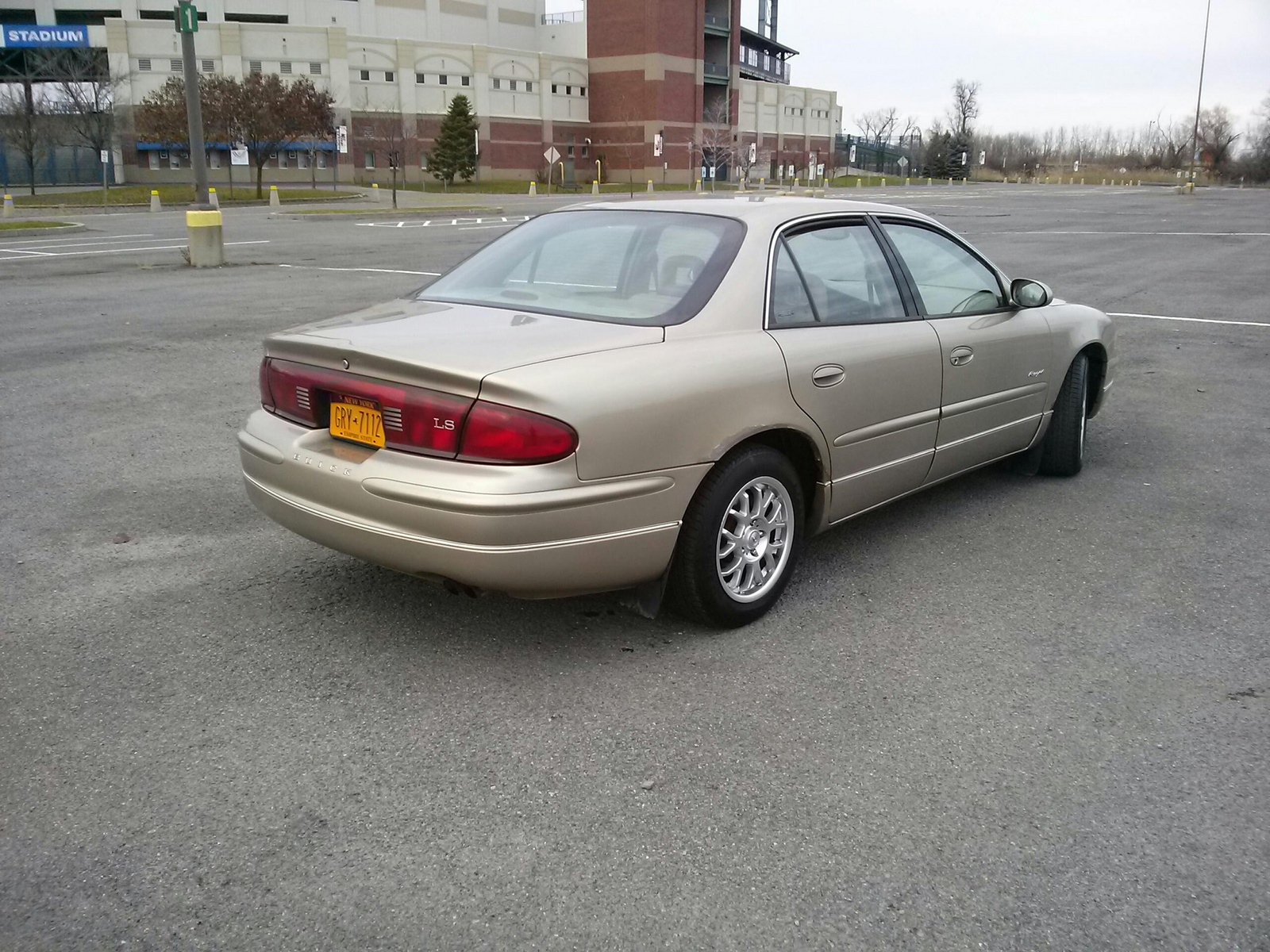 2000 Buick Regal - Overview