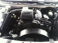 Picture of 2002 GMC Envoy 4 Dr SLE 4WD SUV, engine