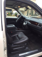 Picture of 2013 GMC Yukon XL Denali 4WD, interior