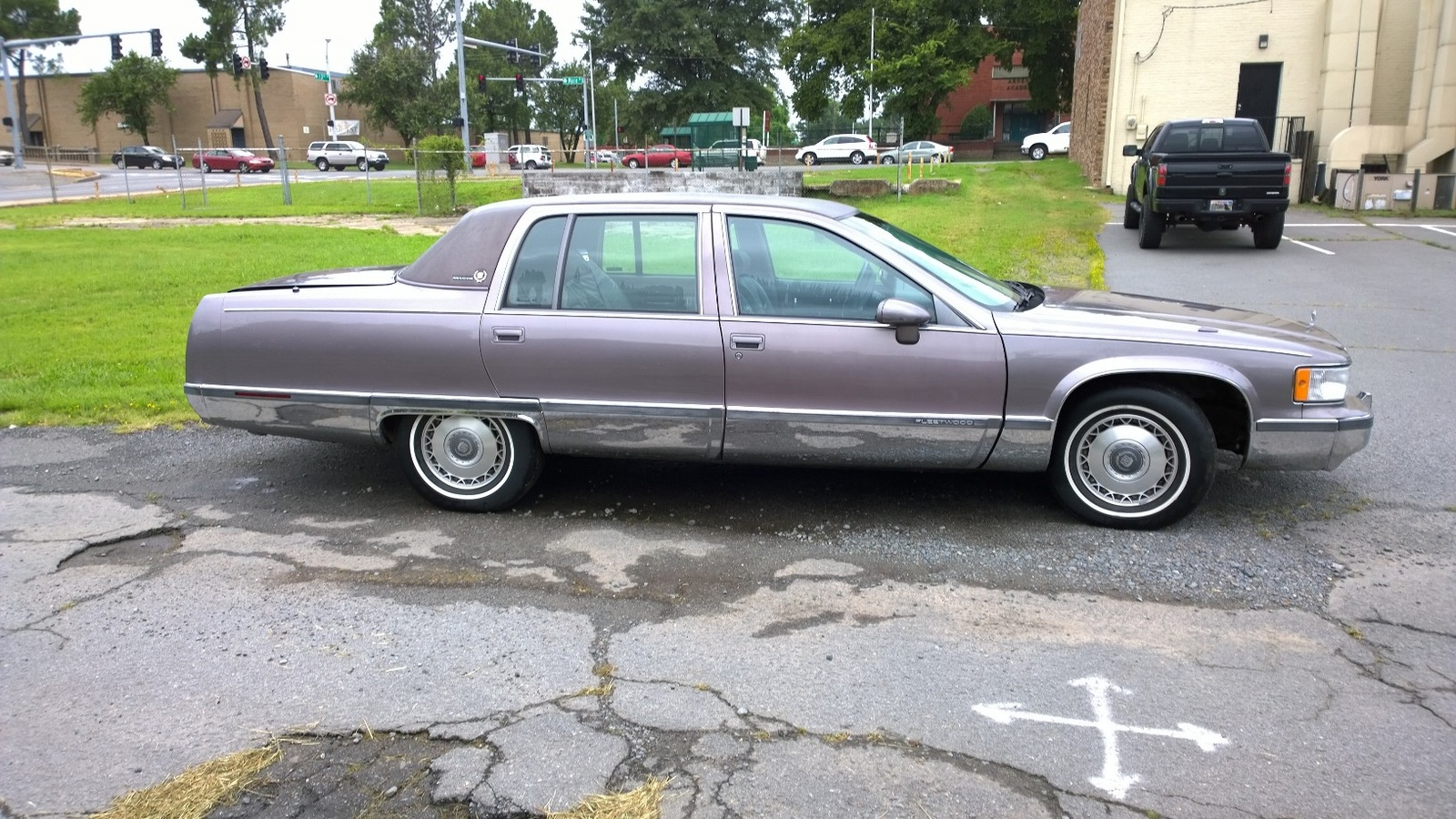 picture of 1993 cadillac fleetwood base sedan exterior. Cars Review. Best American Auto & Cars Review