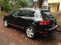 Picture of 2012 Volkswagen Touareg TDI Lux, exterior, gallery_worthy