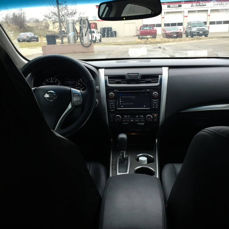 2014 Nissan Sentra Interior: 2014 Nissan Altima
